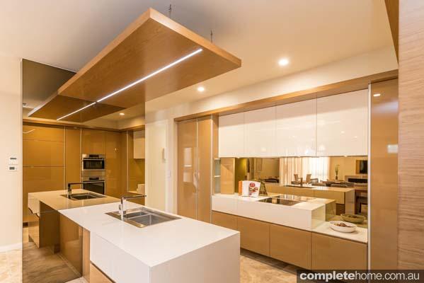Mirror kitchen design completehome for Kitchen design brief example