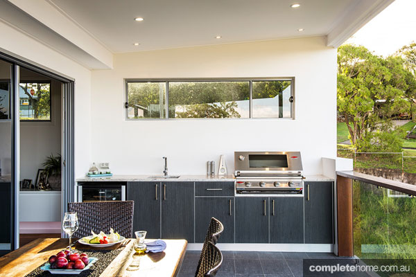Three amazing outdoor kitchens completehome for Balcony kitchen