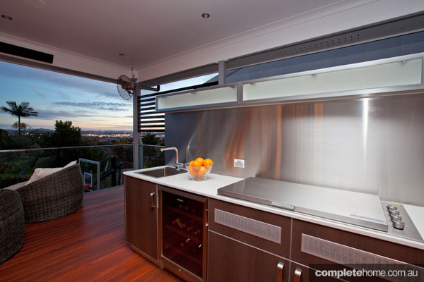 Three amazing outdoor kitchens - Completehome