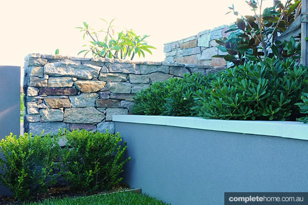 stone wall levels in garden