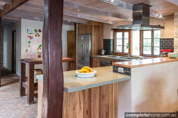 The mix of natural materials and finishes in this kitchen by Space Craft Joinery makes it an absolute winner