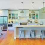 Relaxed living: Contemporary white kitchen