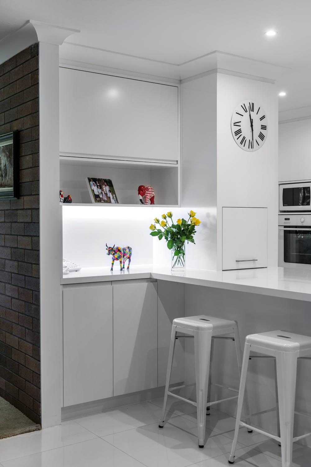 White on white: Minimalist kitchen design