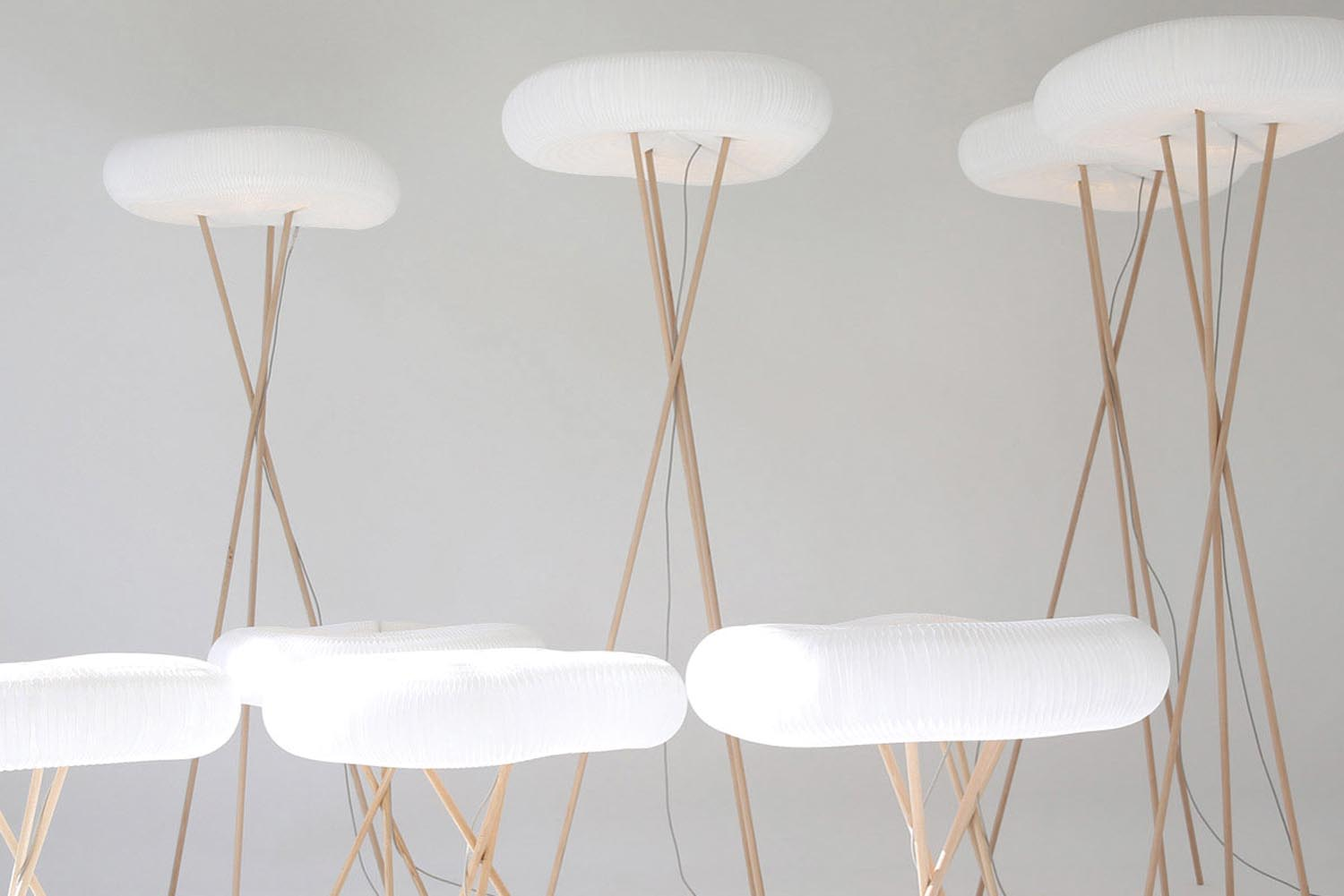 6 Studio Seeho Su floor_table_cloud_softlight_05