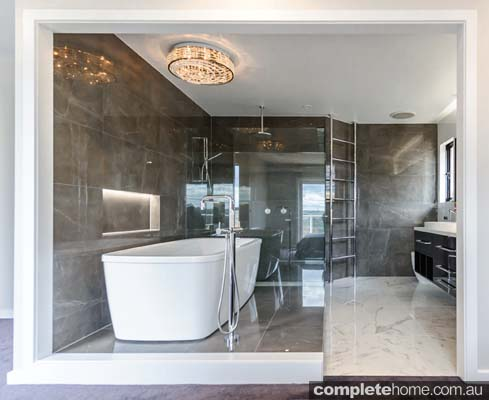 Hollywood-inspired bathroom
