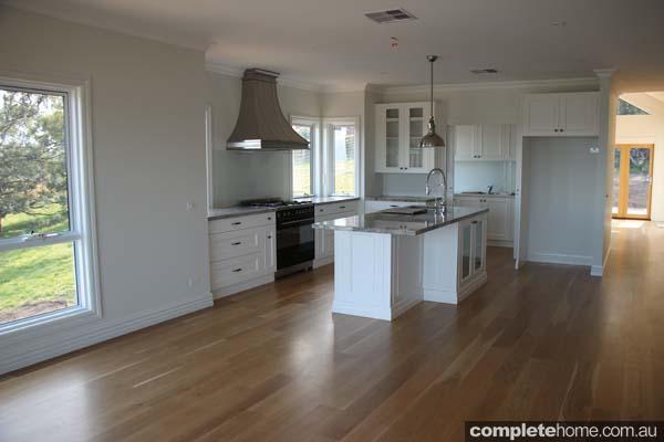 BHV046_Farm Houses of Australia_Hershey Heights - Kitchen