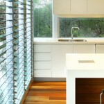 Cooling and ventilation: Louvre windows