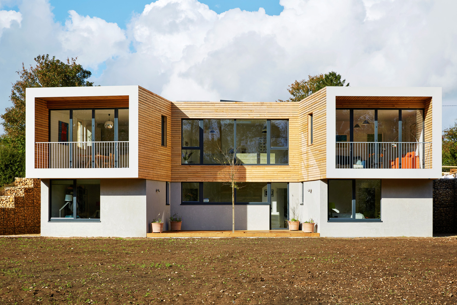 Grand designs uk idyllic and super eco home completehome for Grand home designs