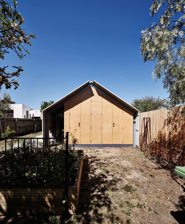 141020 Cut Paw Paw House 0028+0031