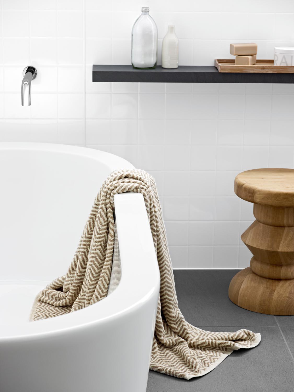 LAM1054_Aqua_Bath_Above_PT1