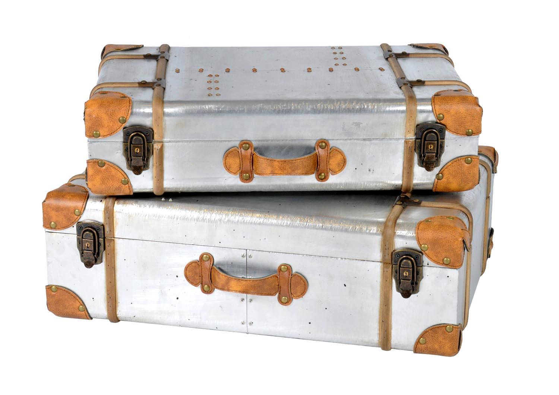 VavoomEmporium_1052116_Aero2SuitcasesStorage