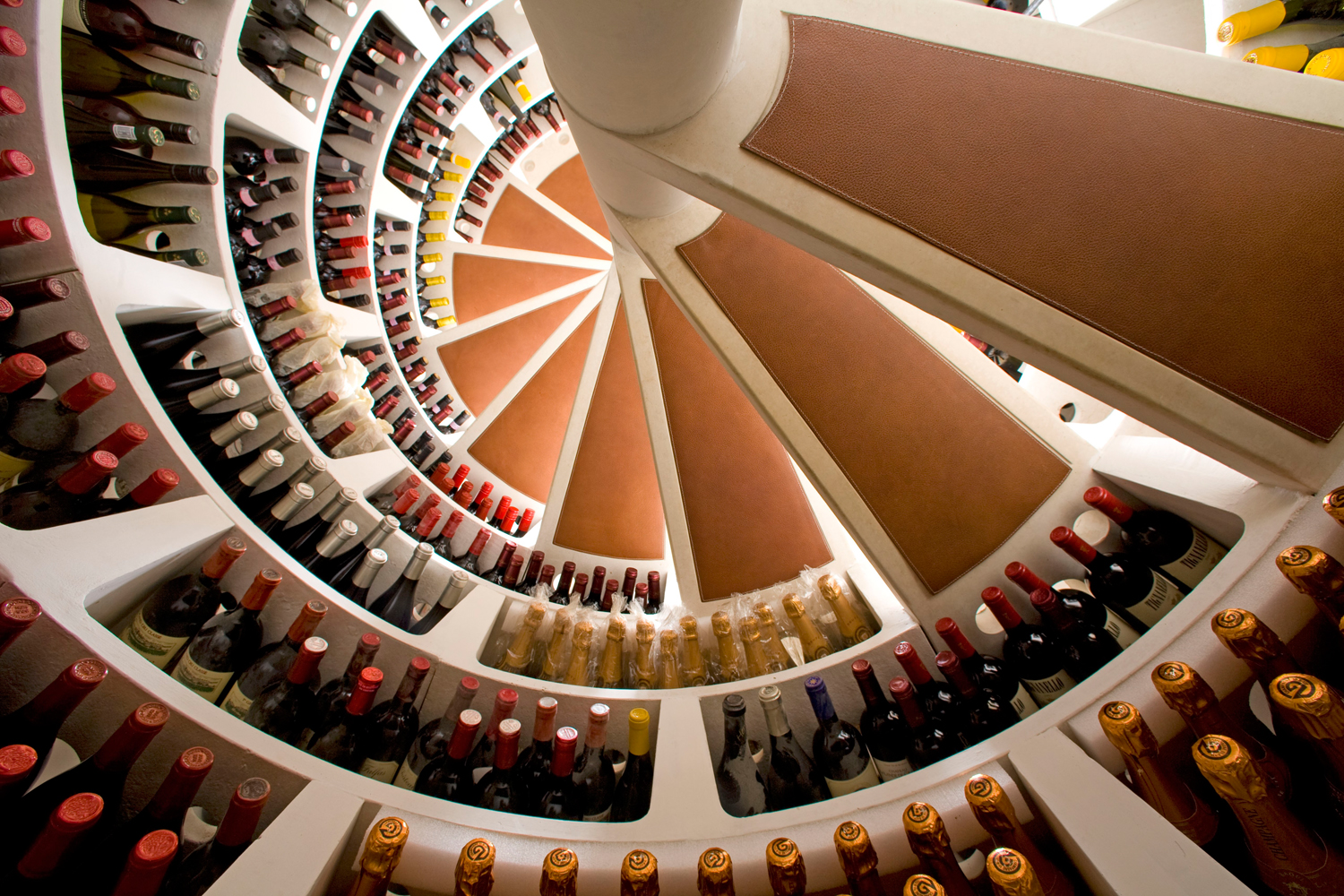 underground wine cellars why to choose a spiral cellar. Black Bedroom Furniture Sets. Home Design Ideas