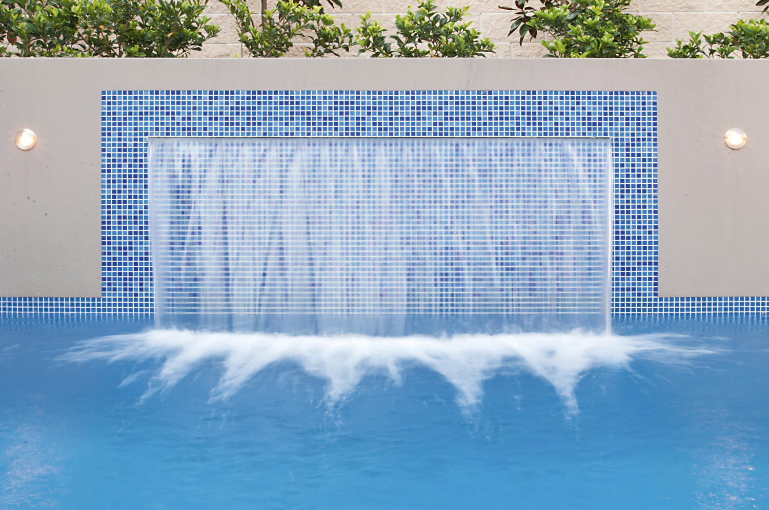 An outdoor/pool design with alfresco