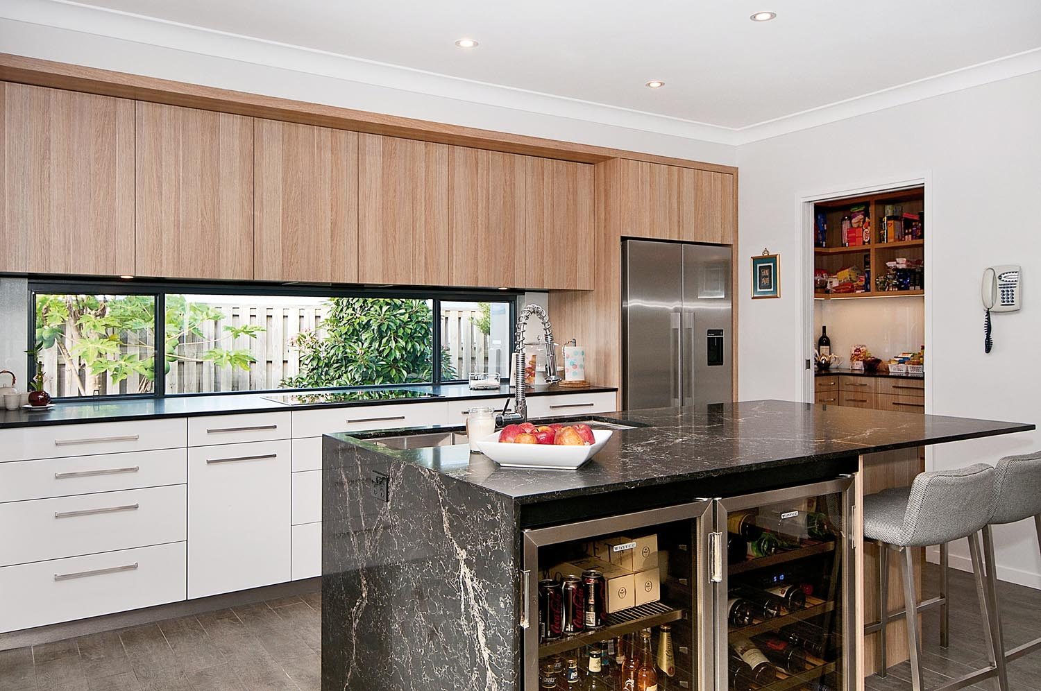 Neat And Clean Kitchen Design Completehome