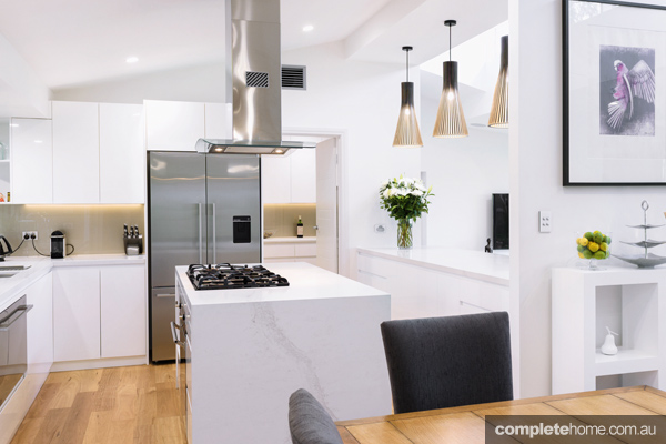 In This Stunning Kitchen An Island Bench Is Used To Create More Space For Cooking And To Help Create Natural Work Flow