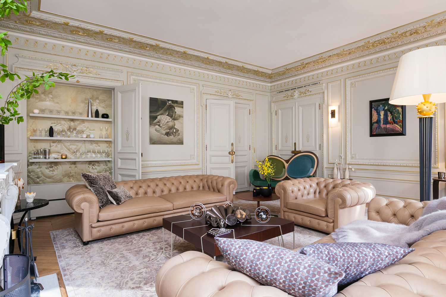 Paris apartment: So frenchy, so chic