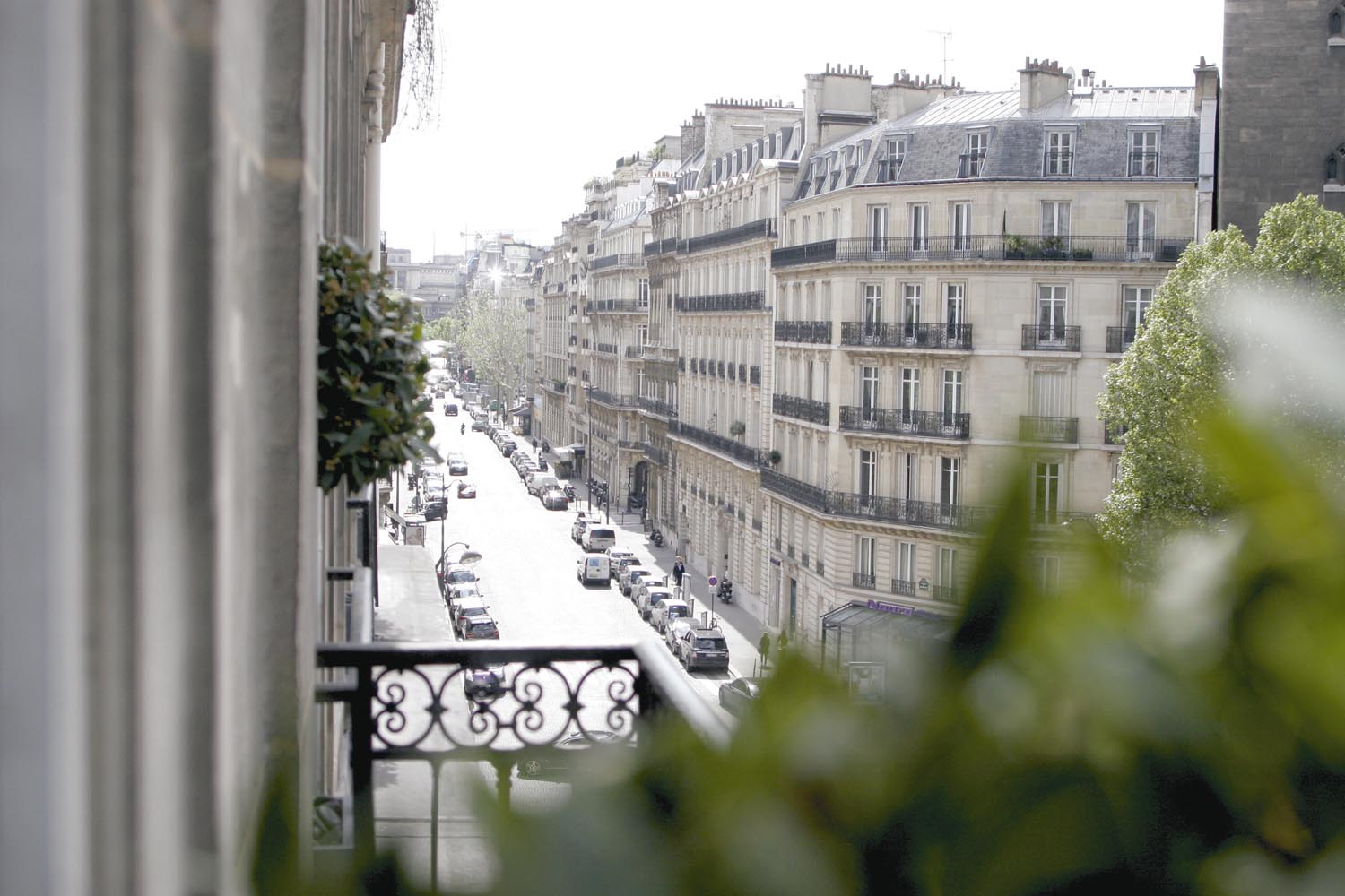 The apartment is situated in the Golden Triangle of Paris