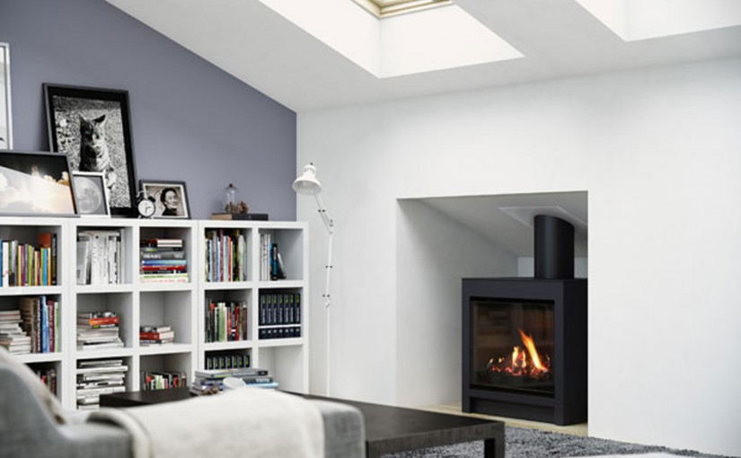 Freestanding gas fireplace