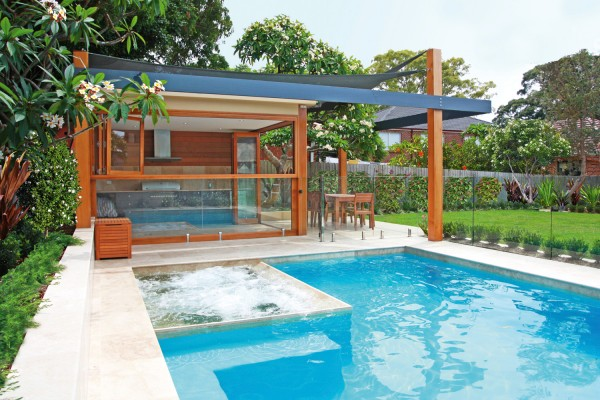 Pool, spa and cabana by A Total Concept