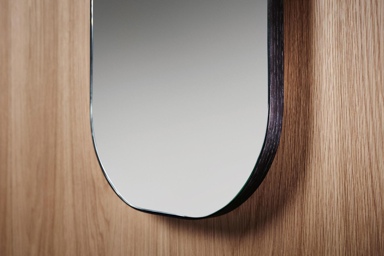 ISSY Z1 Oval Mirror 380 (in situ close up)