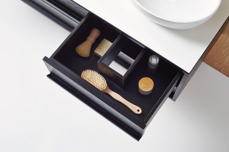 ISSY Z8 6 Drawer Vanity 1500 and ISSY Z1 Oval Mirror 380 (in situ drawer detail)