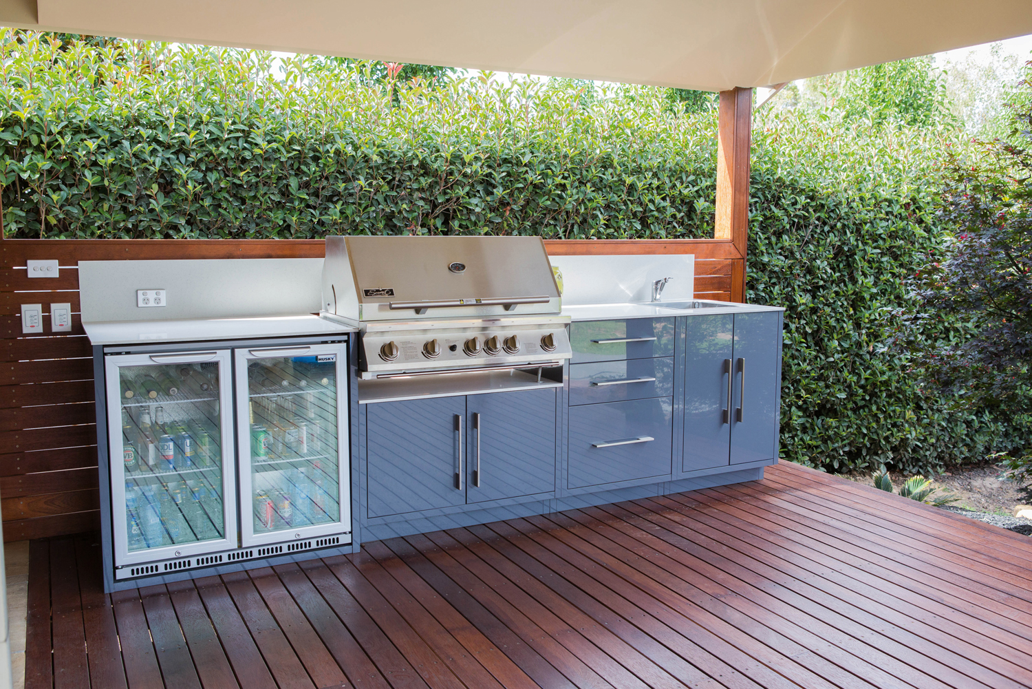 A look at outdoor kitchen solutions