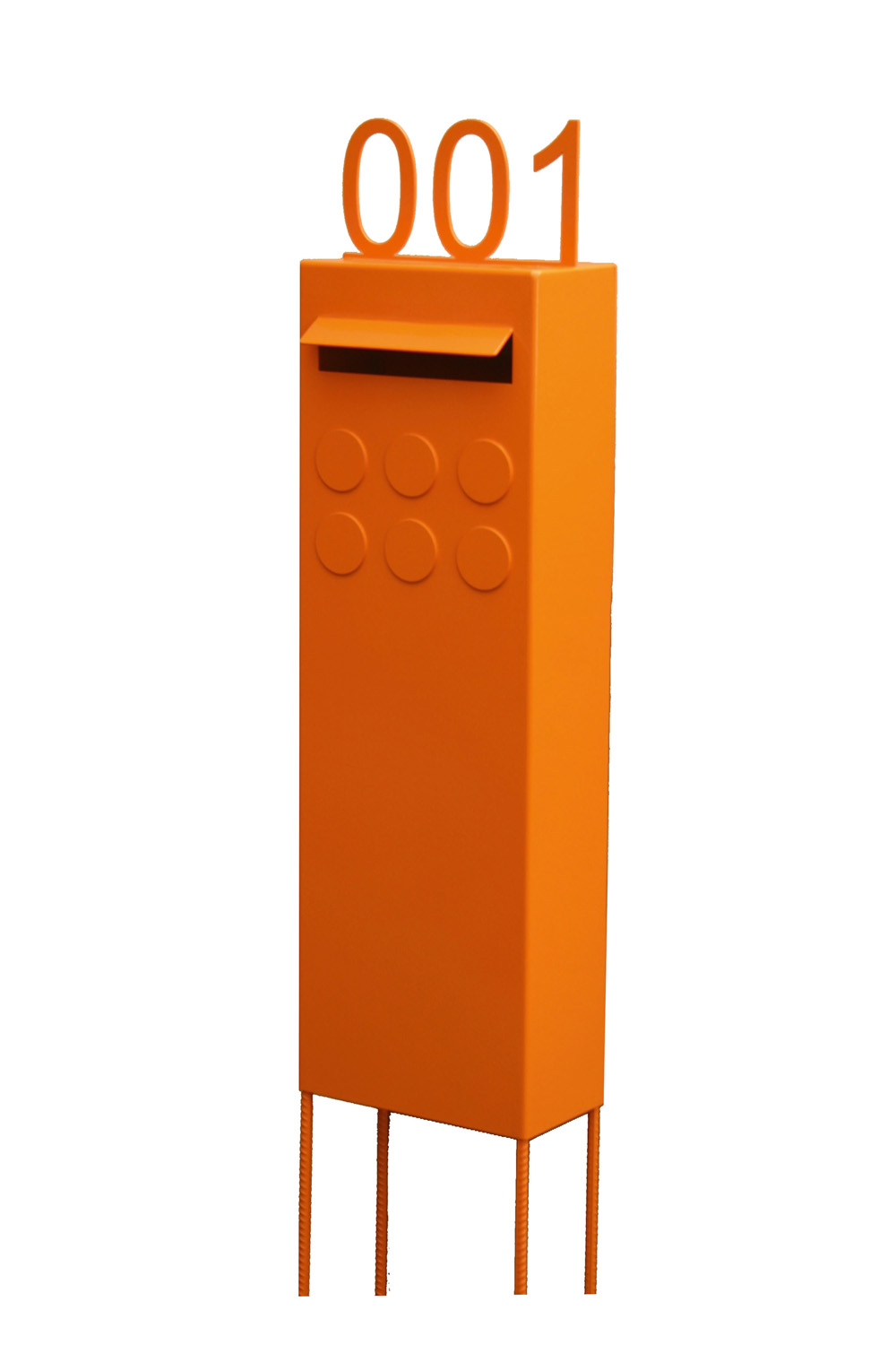 The Ned Kelly powdercoated letterbox is available from Entanglements www.entanglements.com.au