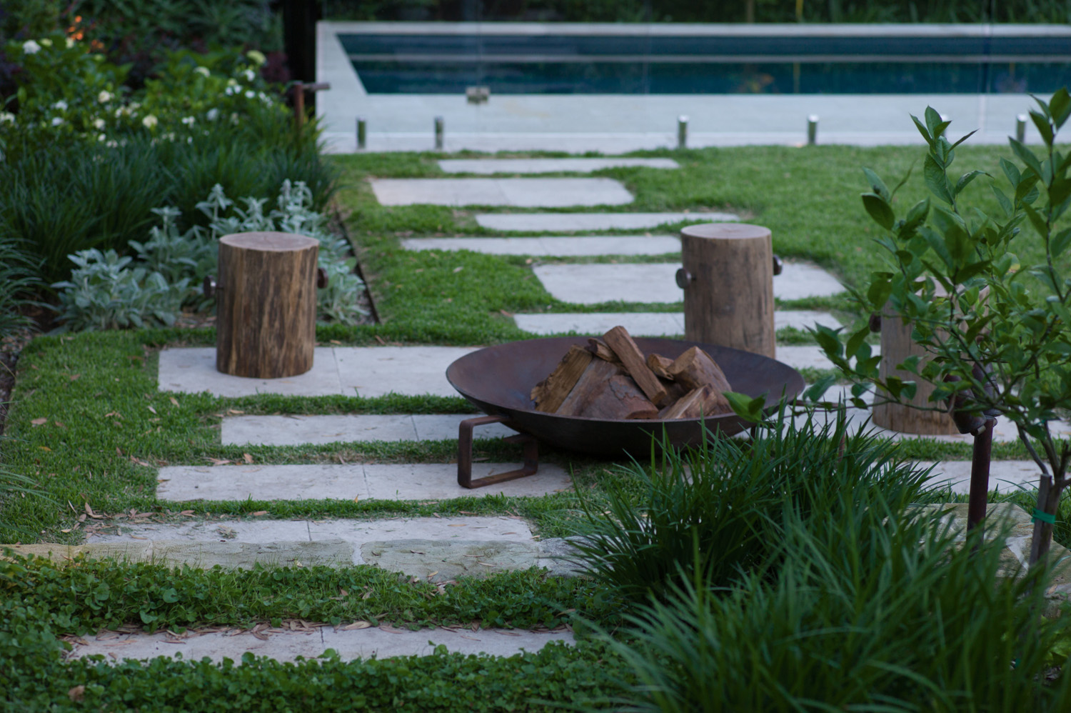 PSS024_Good Manors Landscaping_L1041629