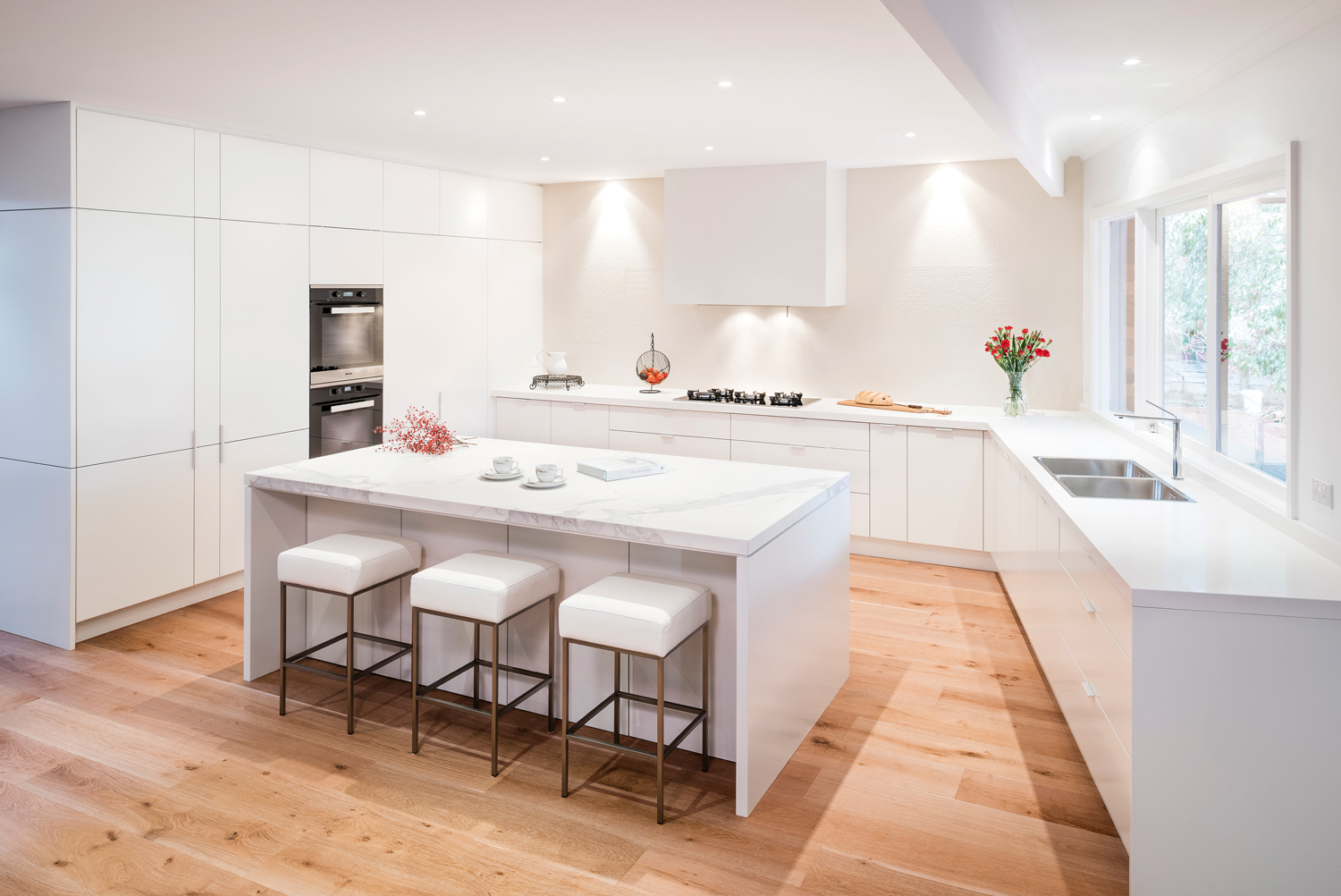 Streamlined style: kitchen design - Completehome