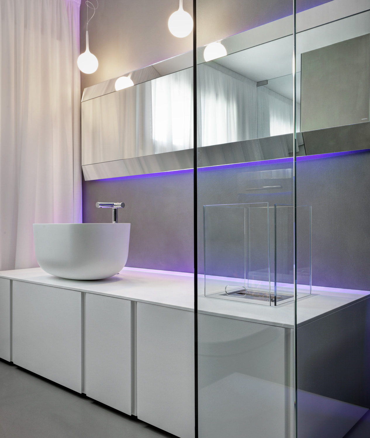 A freestanding basin is a modern addition