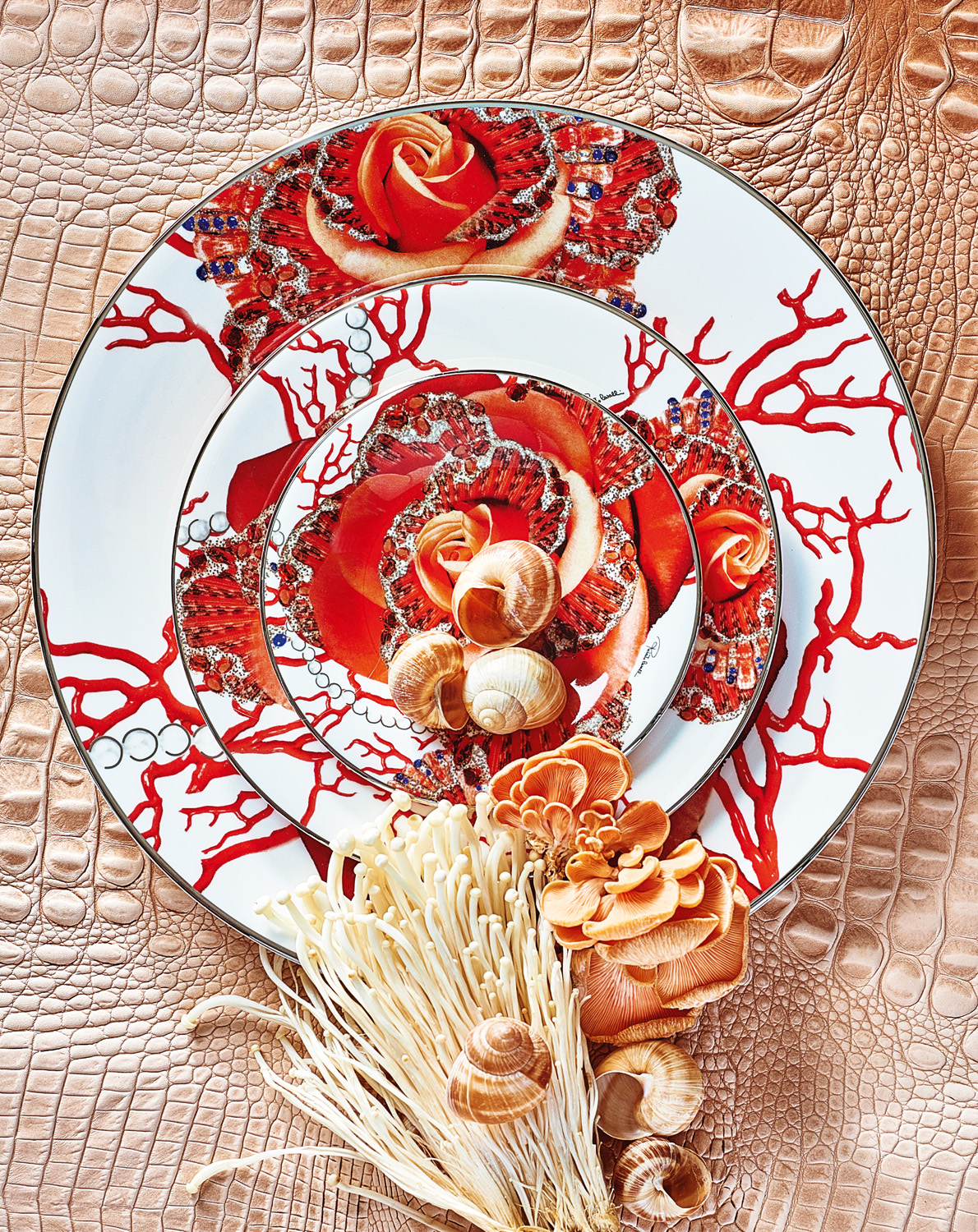 Roberto Cavalli Home rose jewel charger, dessert and bread plates
