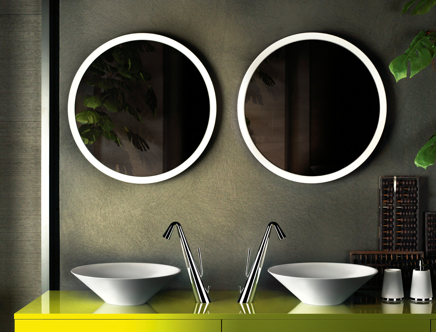 Jungle-inspired bathroom accessories