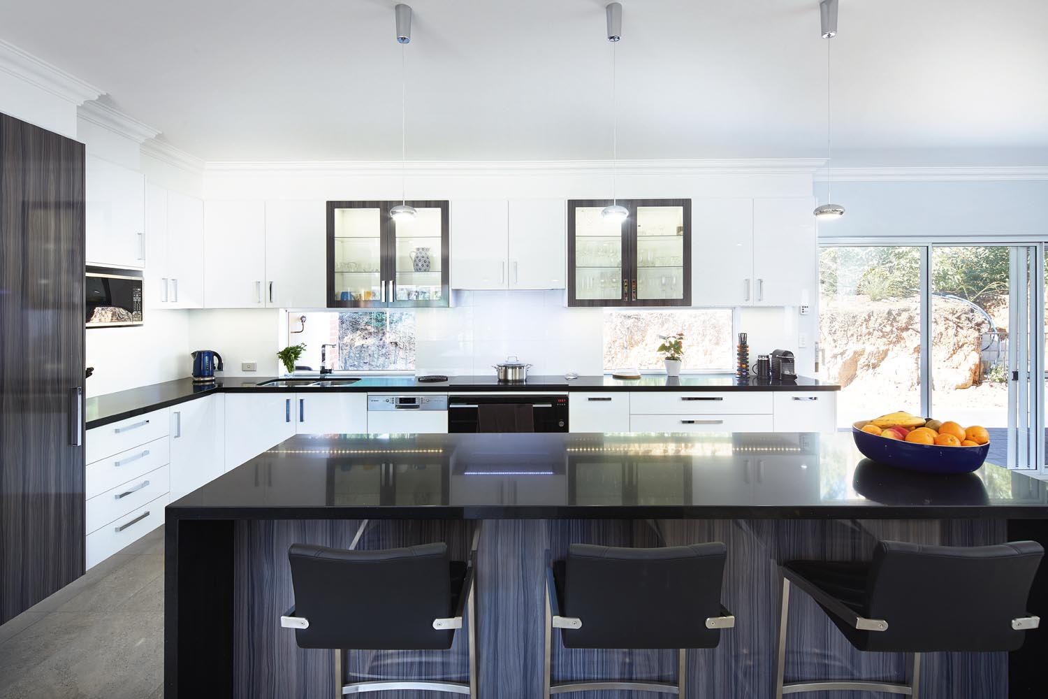 Kitchen project: Light and dark