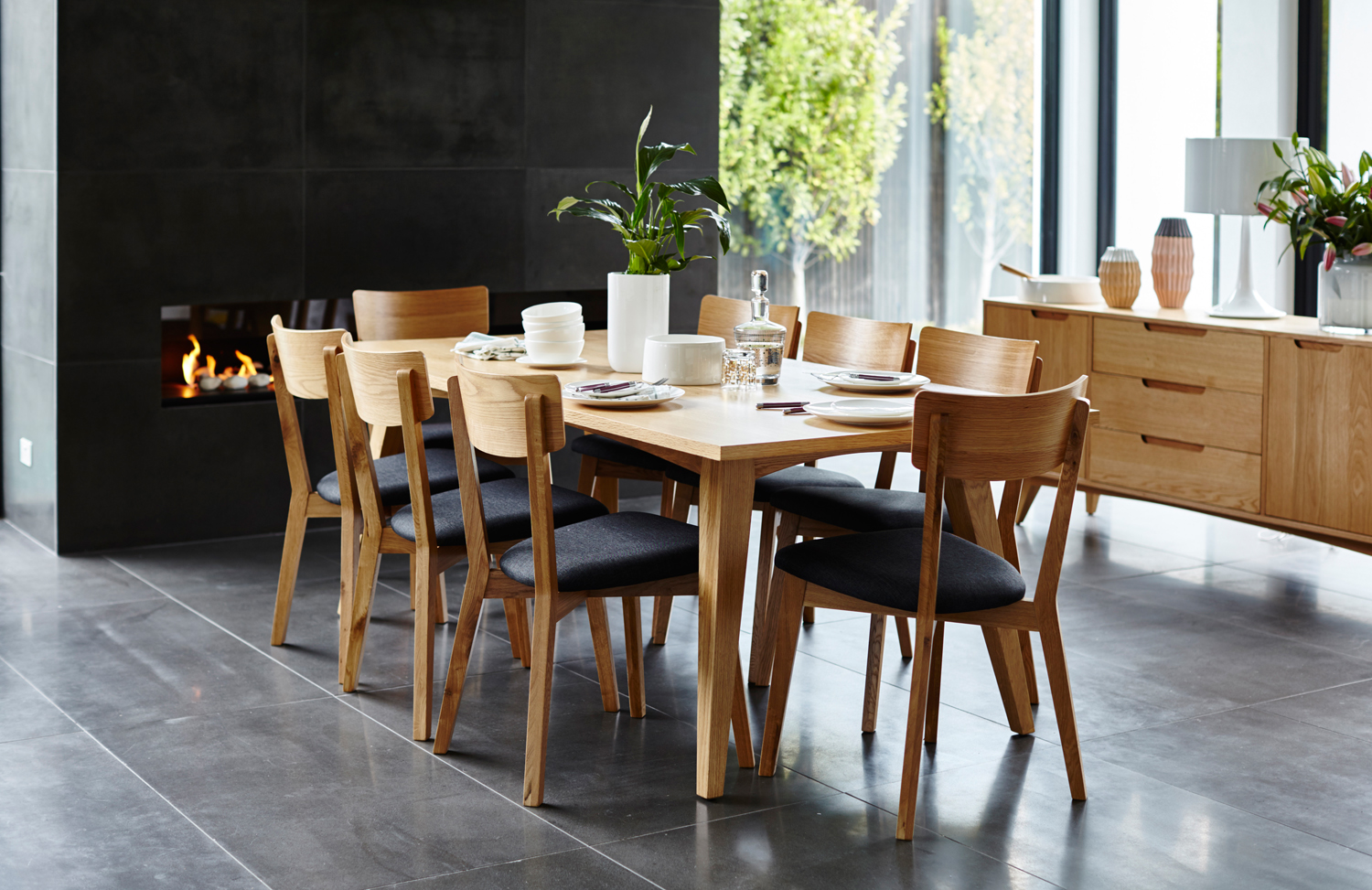 Choosing the right furniture brand completehome for Latest trends in dining table sets