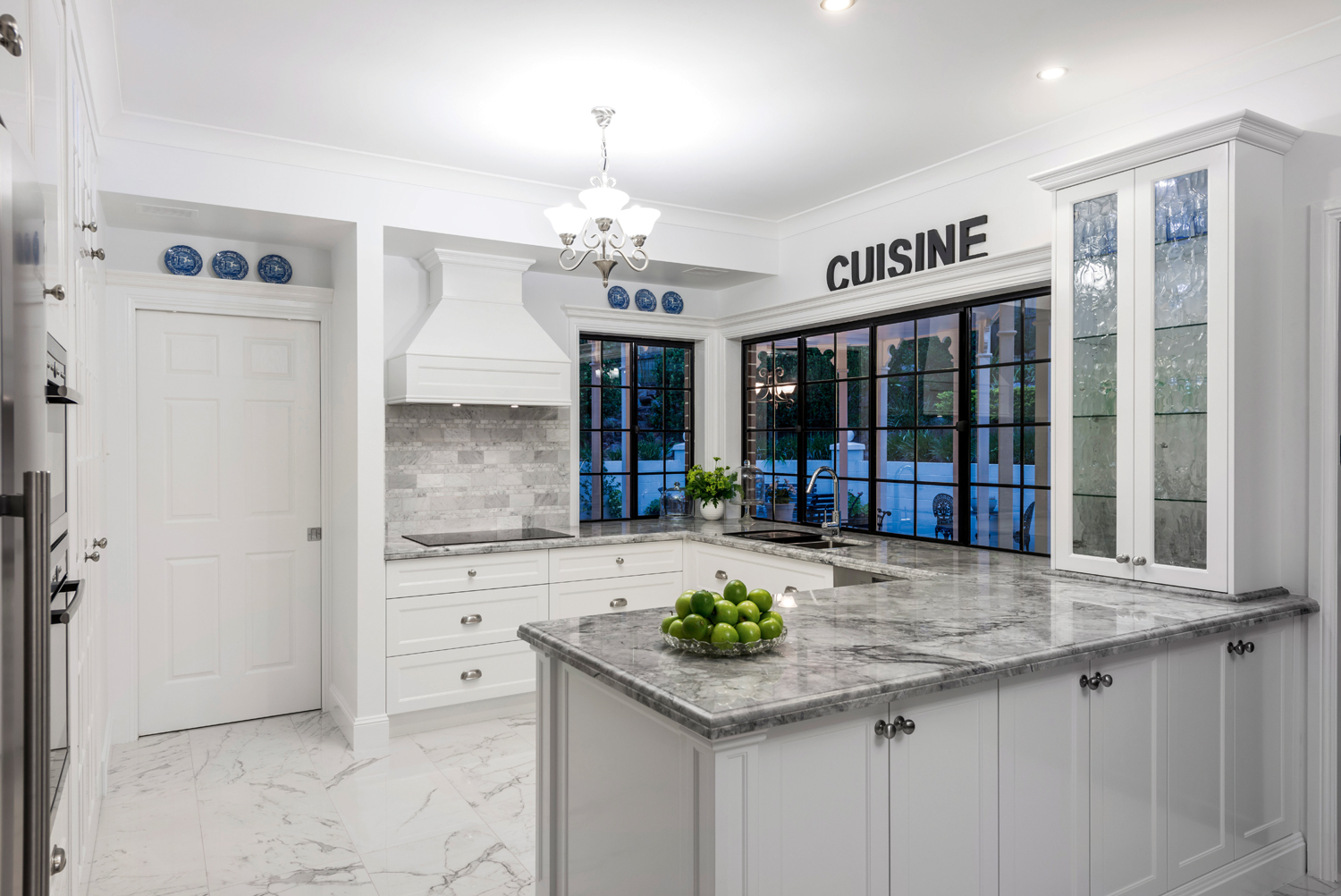French elegance: chateau-style kitchen - Completehome