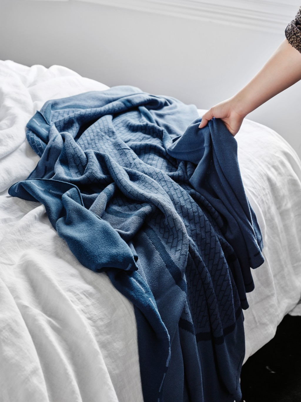 12 Pool organic Cotton throw Sheets on the line
