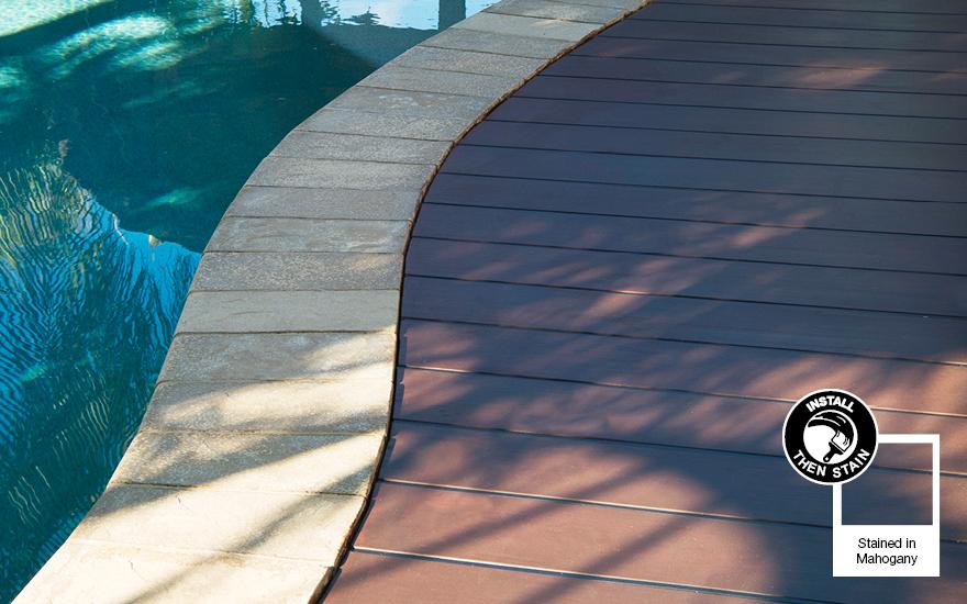 Decking - Mahogany 880 x 550px