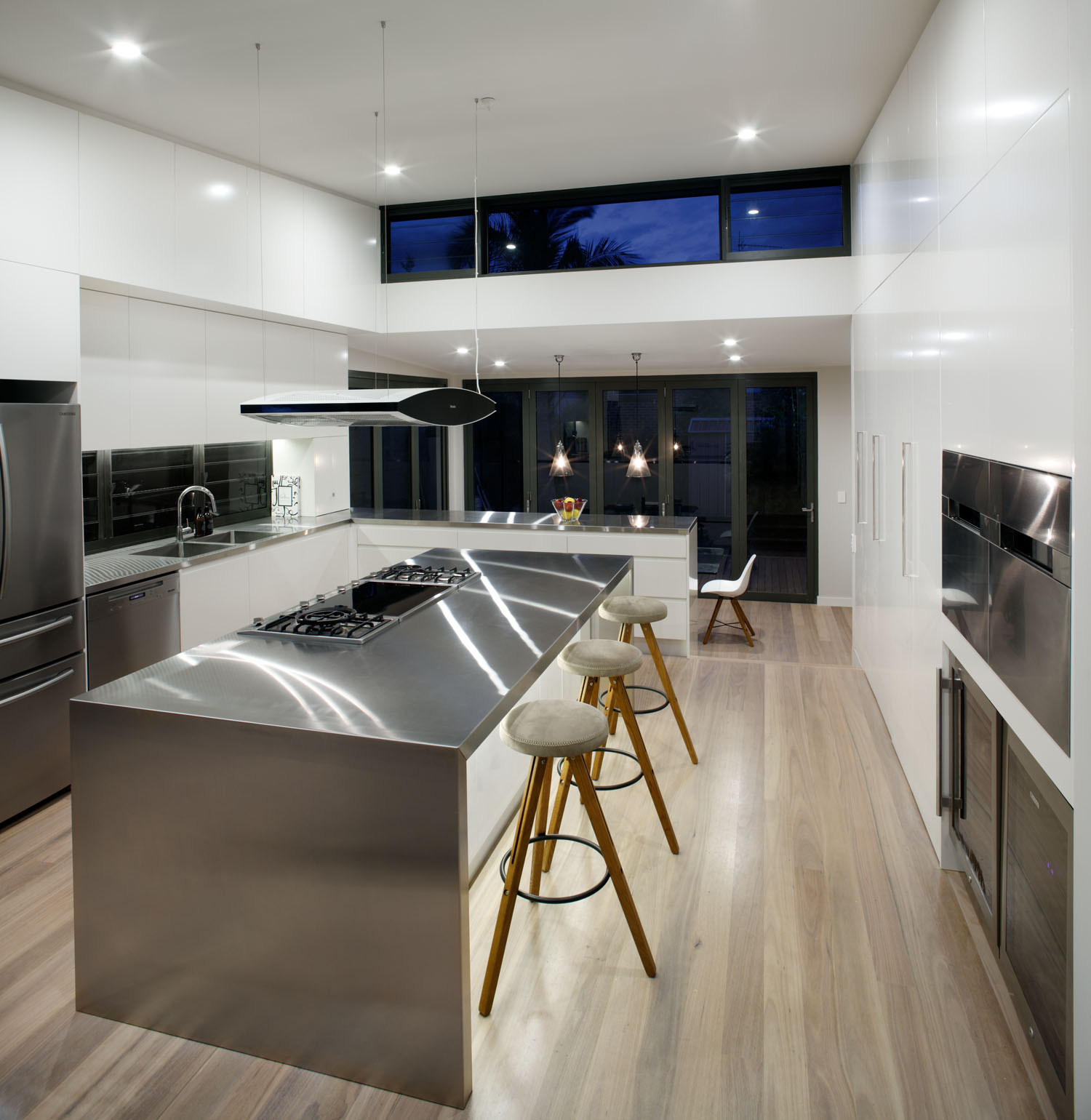 Industrial chic: kitchen design