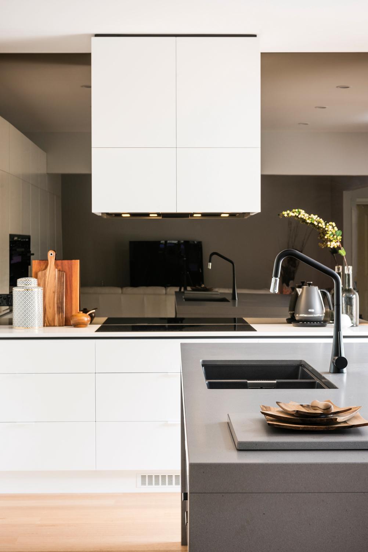 Scandinavian Simplicity: An Ultra-modern Kitchen